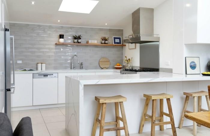 wohnideen küche u förmige küche mit hölzernen barhockern