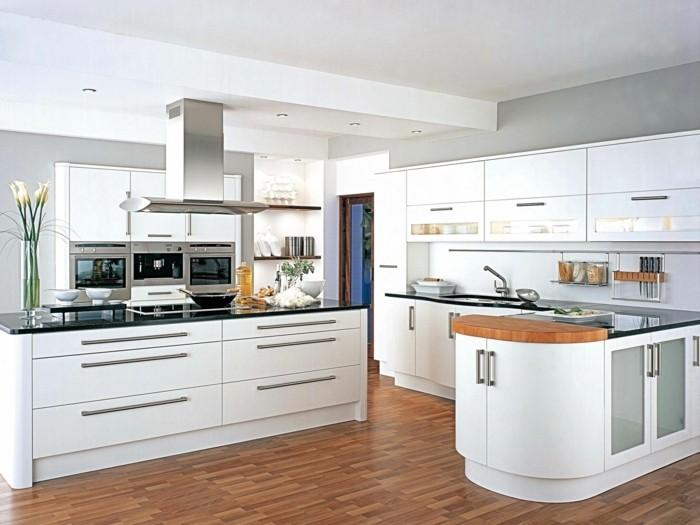 wohnideen küche weiße kücheneinrichtung- deko mit blumen moderne beleuchtung