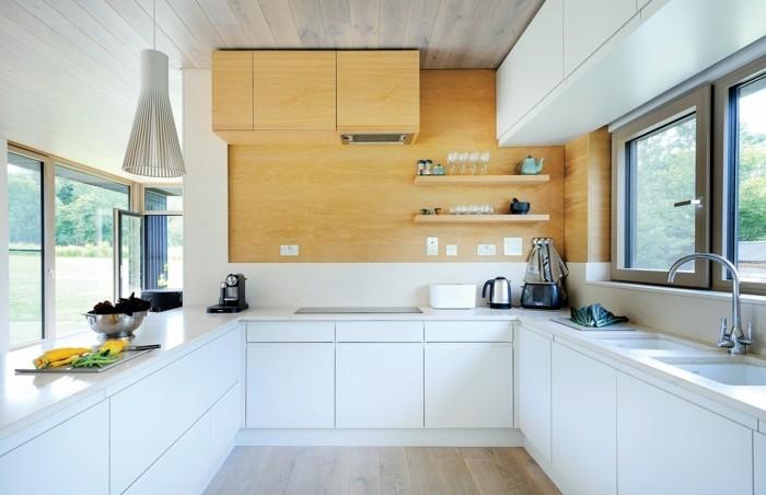 wohnideen küche wunderschöner bodenbelag und weiße küchenschränke