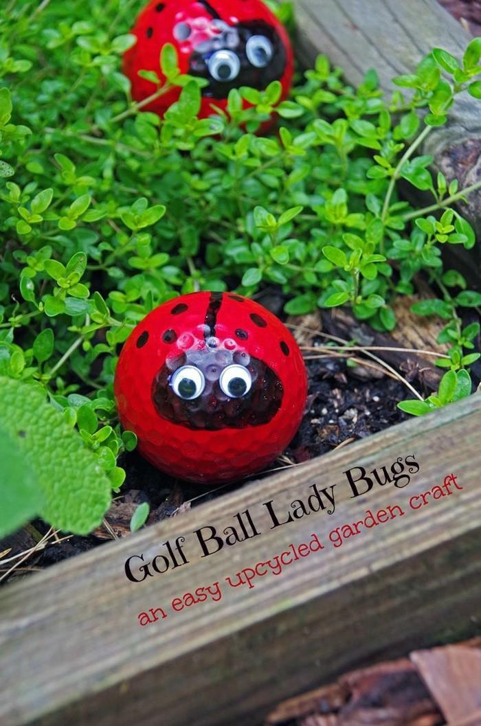 ausgefallene gartendeko selber machen upcycling ideen diy deko golfball marienkäfer