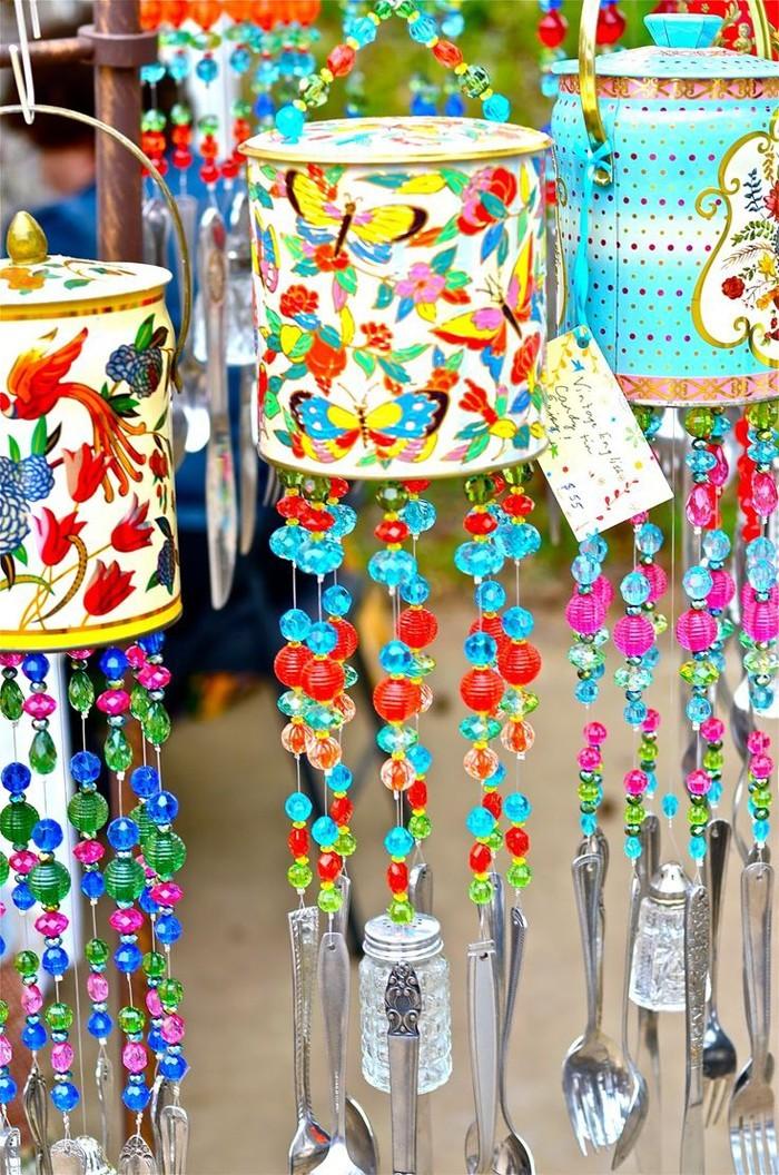 ausgefallene gartendeko selber machen upcycling ideen diy deko lichterkette im sommer gartenkunst