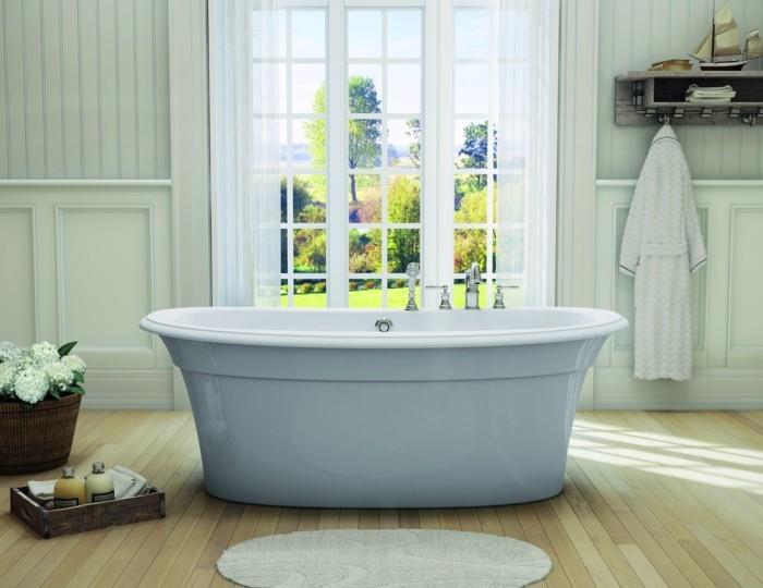 badewanne blau weiß