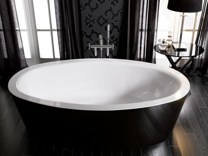 badewanne schwarz weiß