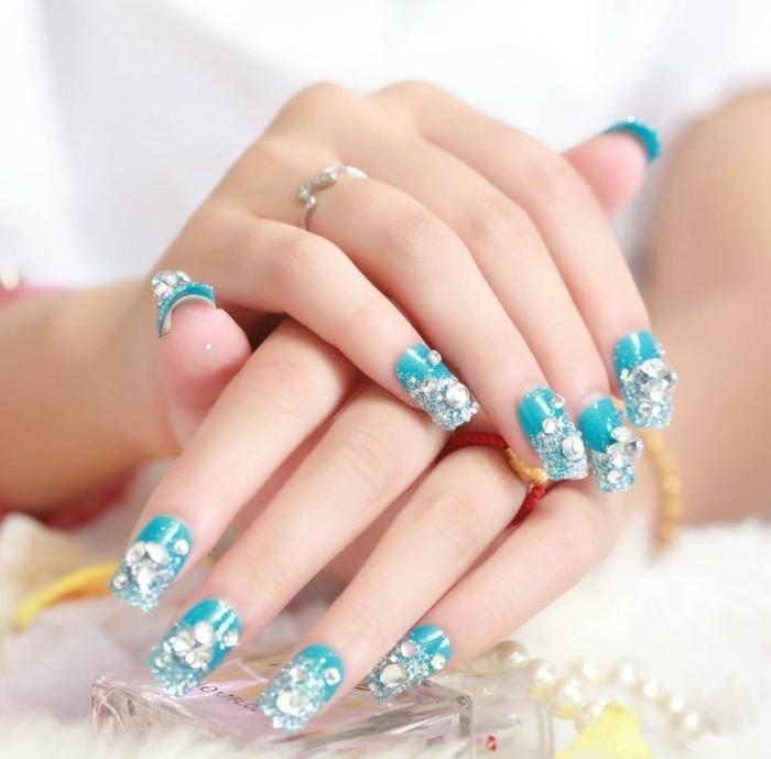 blue fingernägel luxus strasssteine maniküre