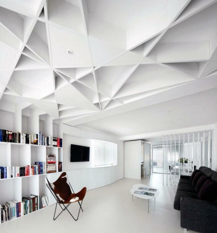 deckengestaltung ausgefallene geometrische zimmerdecke im modernen wohnbereich