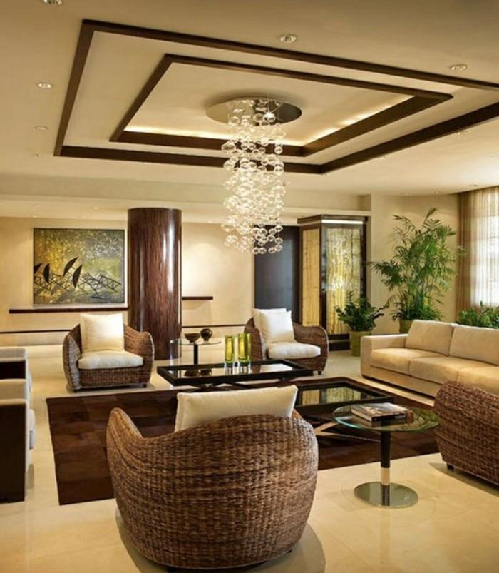 deckengestaltung im modernen wohnzimmer stilvolle zimmerdecke und ausgefallener leuchter