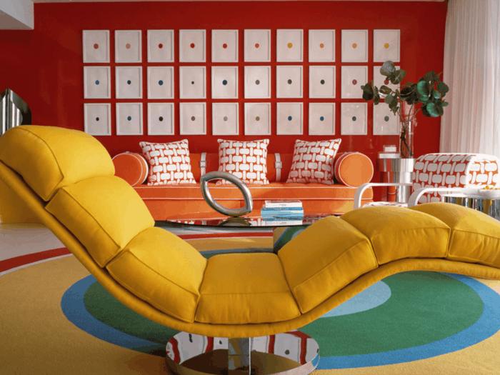 dekoideen wohnzimmer extravagante wanddeko und farbige möbel