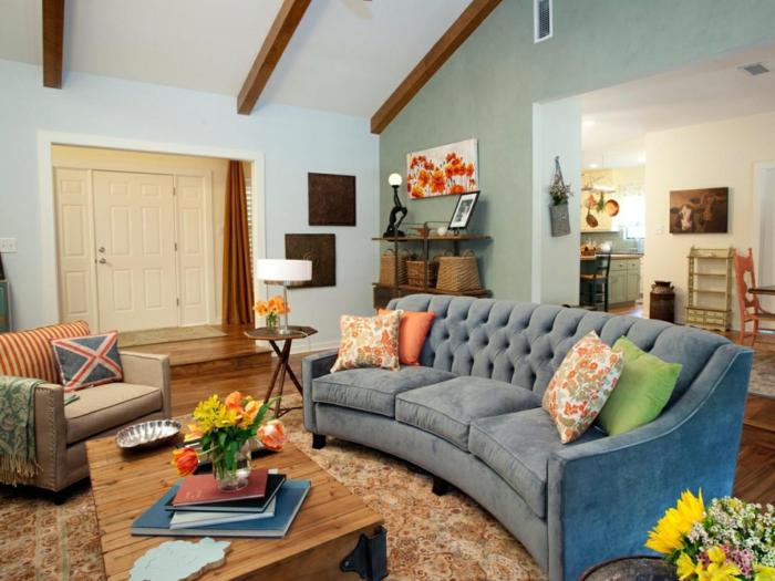dekoideen wohnzimmer holzbalken und schöner couchtisch