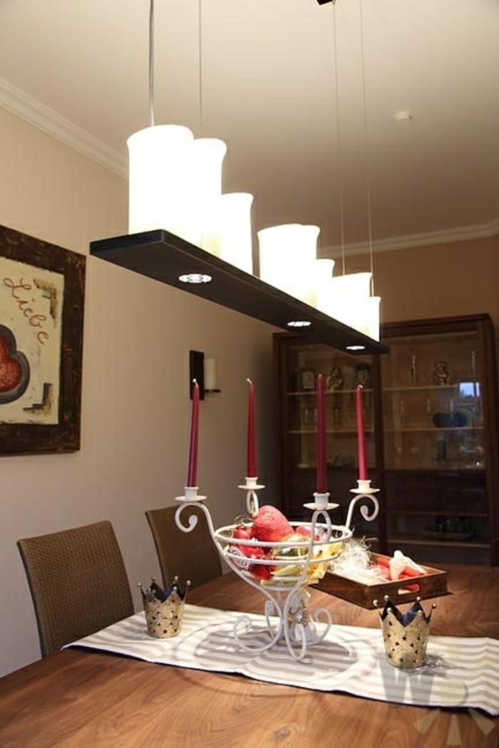 esstischlampe schöner leuchter und tischläufer