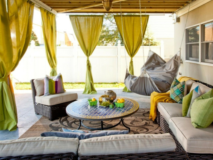 gartenideen frische gelbe gardinen sorgen für sonnenschutz und stimmung