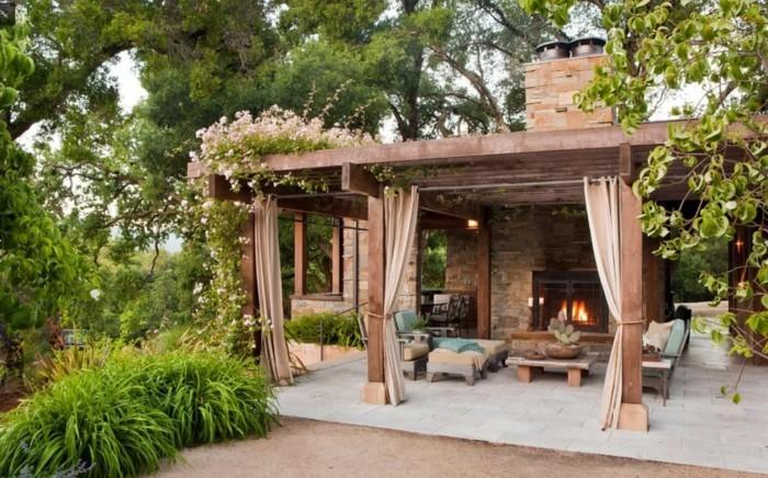 gartenideen patio mit gardinen vor der sonne und der hitze schützen