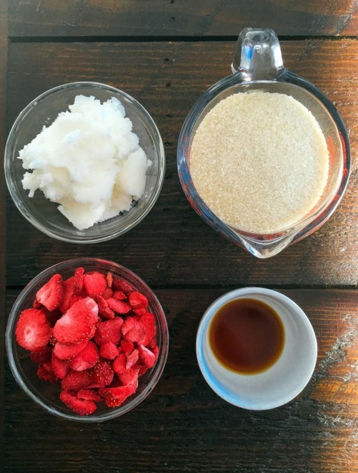gesichtspeeling mit erdbeeren zubereiten