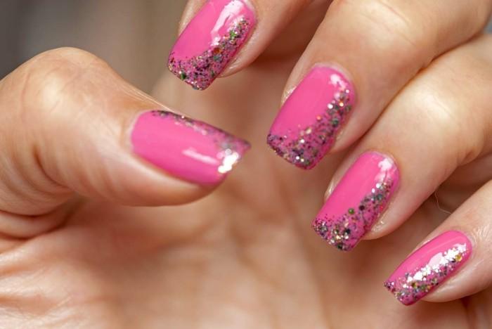 glitzer pinke fingernägel nagellack gelnägel selber machen maniküre ideen sommer