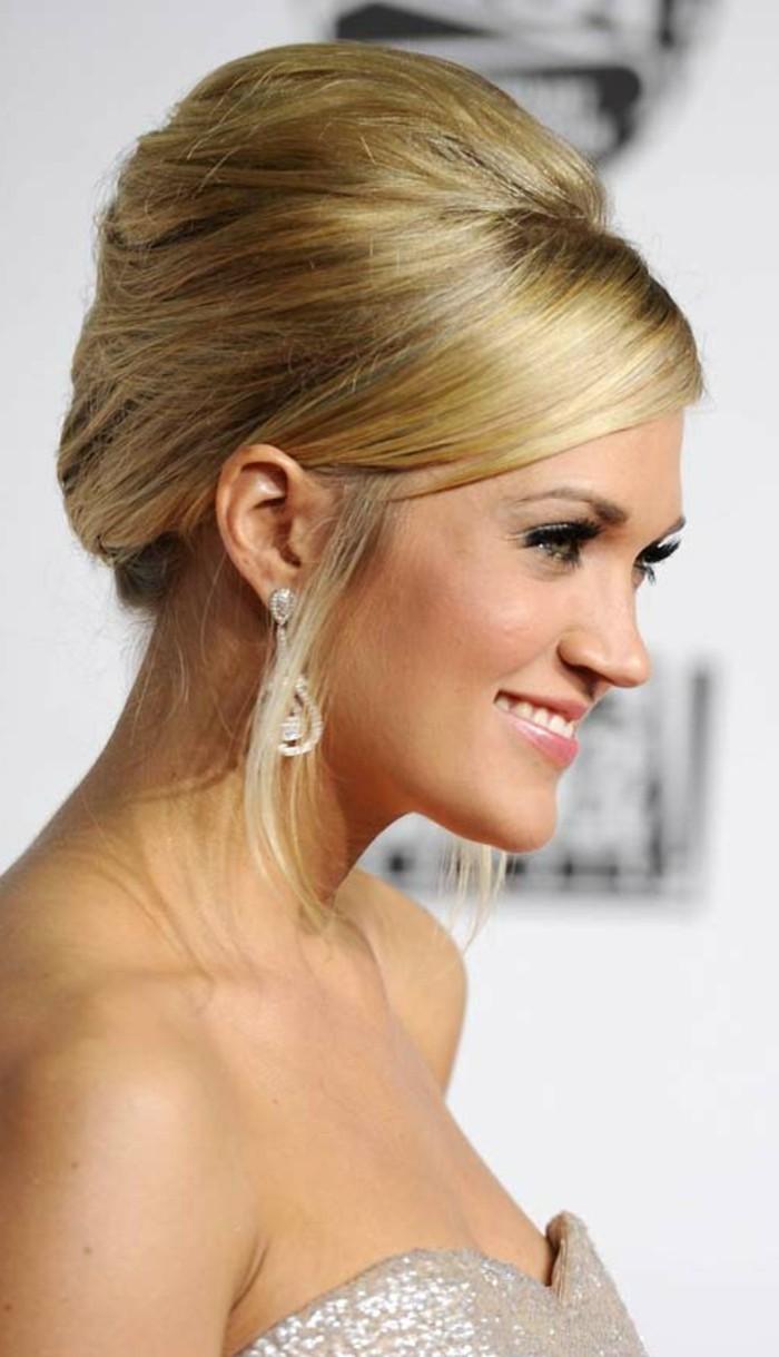hochsteckfrisuren blondes haar und lange ohrringe