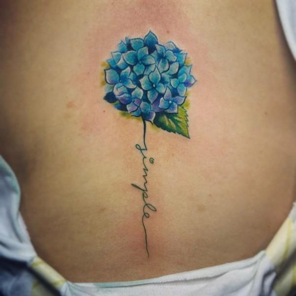 hortensie schrift tattoo idee