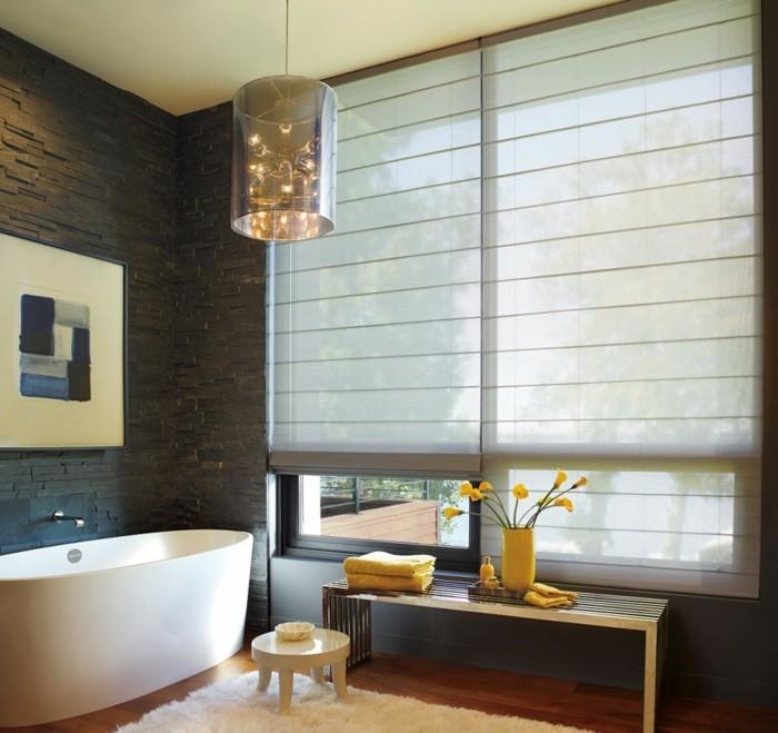hygge im badezimmer weicher teppich und gelbe akzente