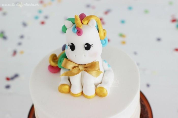 kinderparty torte ideen fondant einhorntorte kindergeburtstag feiern