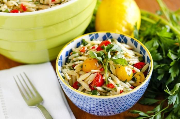 kräuter salate mit basilikum zubereiten