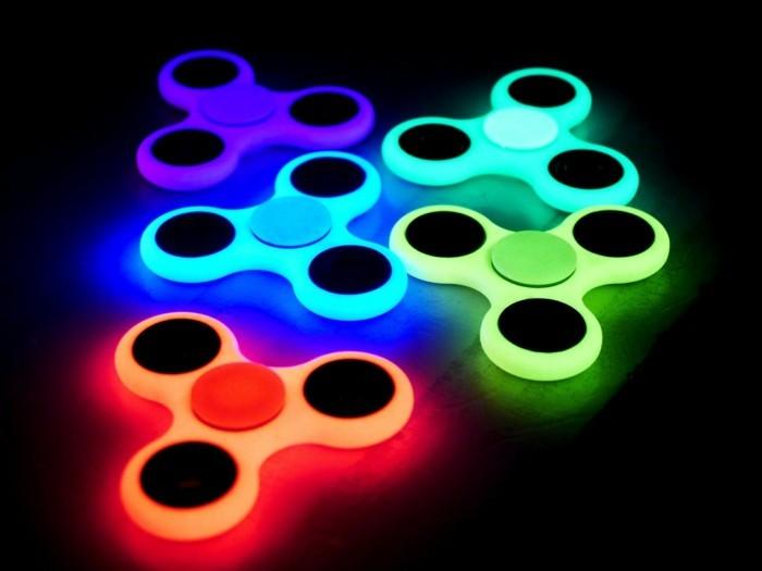 leuchtende fidget spinner bunt online kaufen