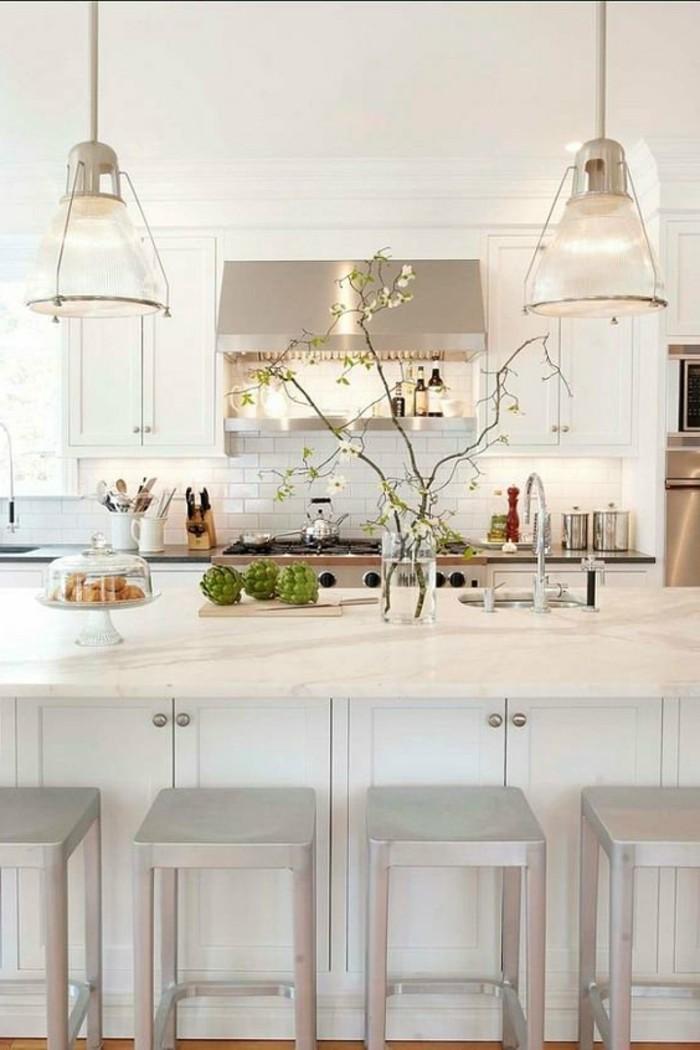 moderne küchen weiße küchenschränke und pflanzen