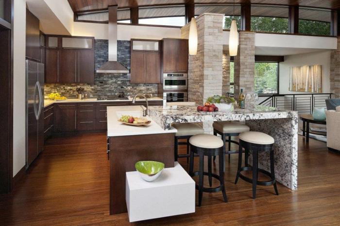 offene küche mit funktionaler kücheninsel und stilvollen texturen