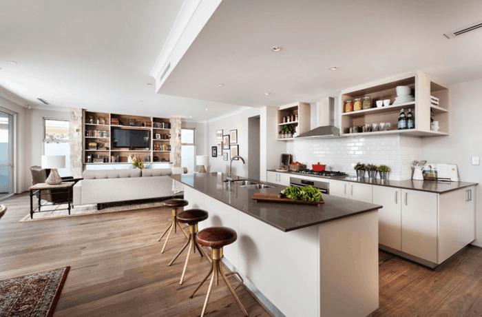 offene küche mit pflanzen und weißen wandfliesen