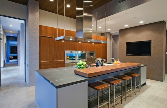 offene küche mit schicker kücheninselund funktionalen küchenschränken