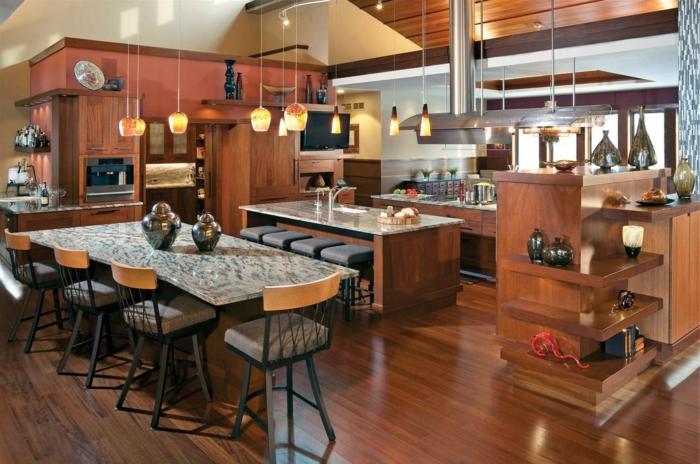 offene küche stilvolle kücheneinrichtung in dunkelbraun und pendelleuchten