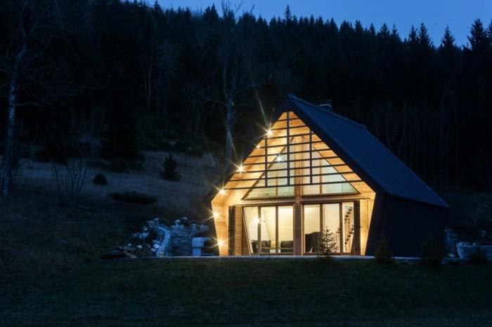 Drei markante Beispiele für moderne Holzhäuser aus den drei Ecken ...