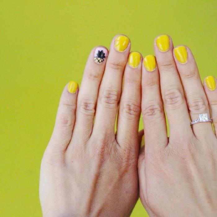 sommernägel gelber nagellack und akzente