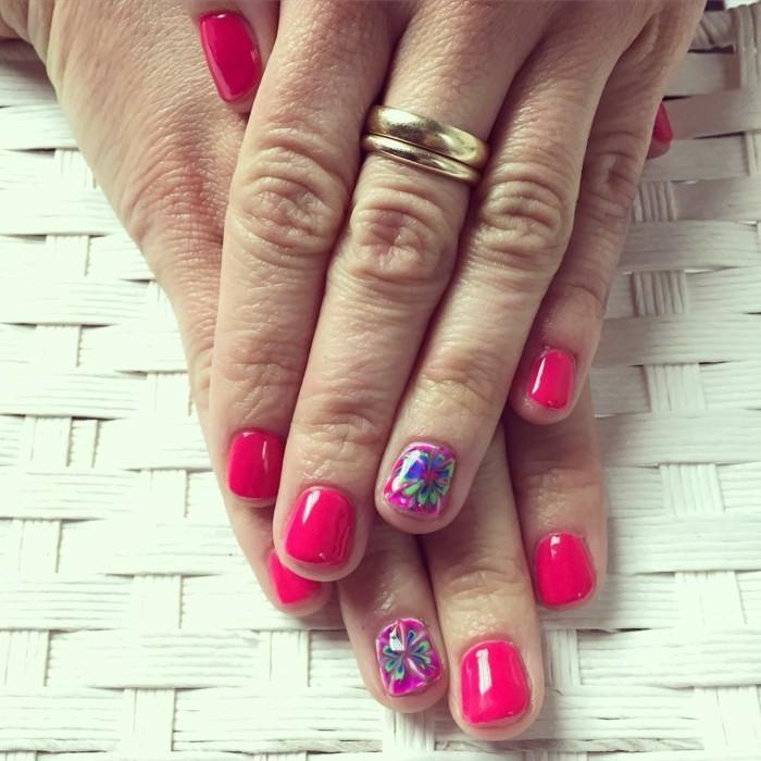 sommernägel rosa nagellack mit akzenten