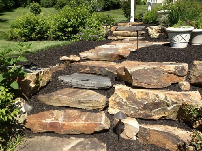 steinblöcke naturstein erde mulch treppen selber bauen