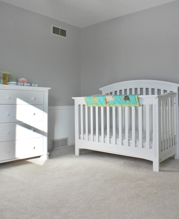 wandgestaltung im kinderzimmer hellgraue wände und weiße kindermöbel