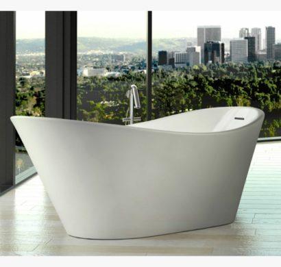 badewanne vor fenster badewanne vor einem groen gotischen fenster gedmpfte blues und grautne. Black Bedroom Furniture Sets. Home Design Ideas