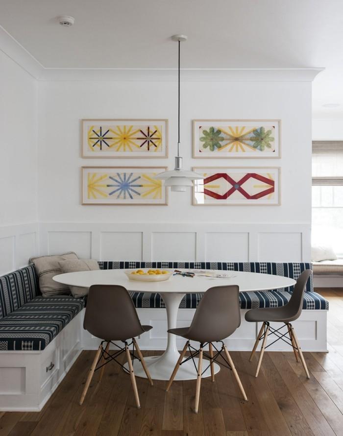 wohnküche essecke mit ecksofa und rundem tisch