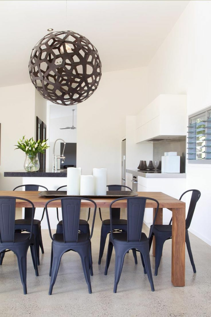 wohnküche modern und frisch und mit pflanzen dekoriert