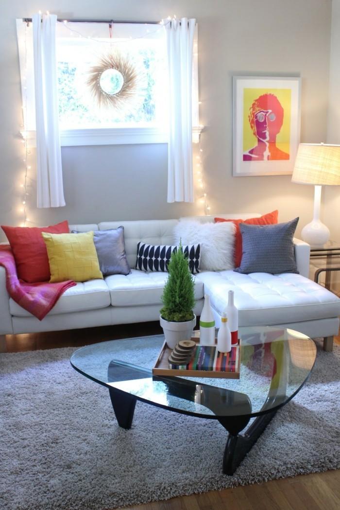 wohnzimmer gestalten einladender wohnbereich mit farbigen akzenten