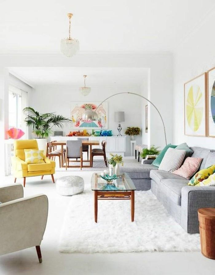 wohnzimmer gestalten in frischen farben und mit weißem teppich