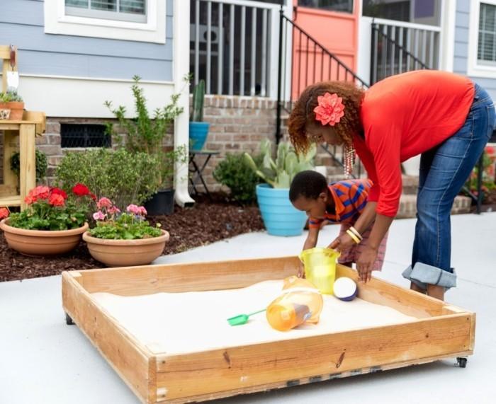Sandkasten selber bauen spielplattform kombiniert selbst gemacht