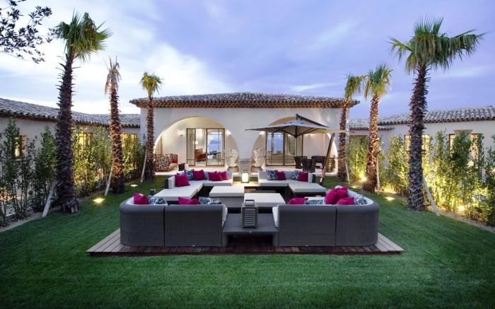 außenmöbel im exotischen luxushaus