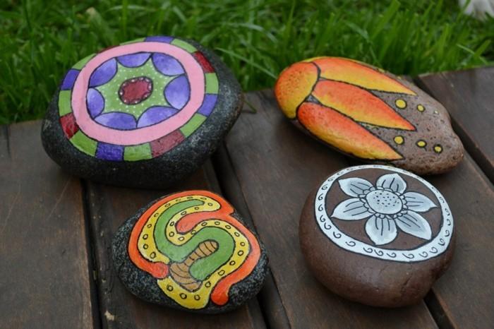 bunte farben natursteine bemalen ideen