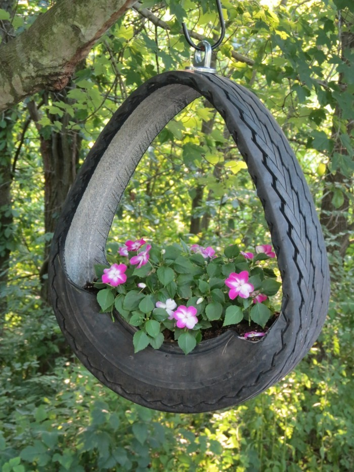 deko selber machen aus alten autoreifen pflanzenbehälter basteln