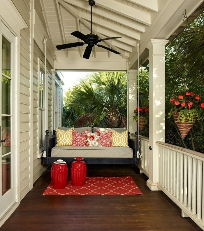 einrichtungsideen für das moderne patio mit farbigen akzenten