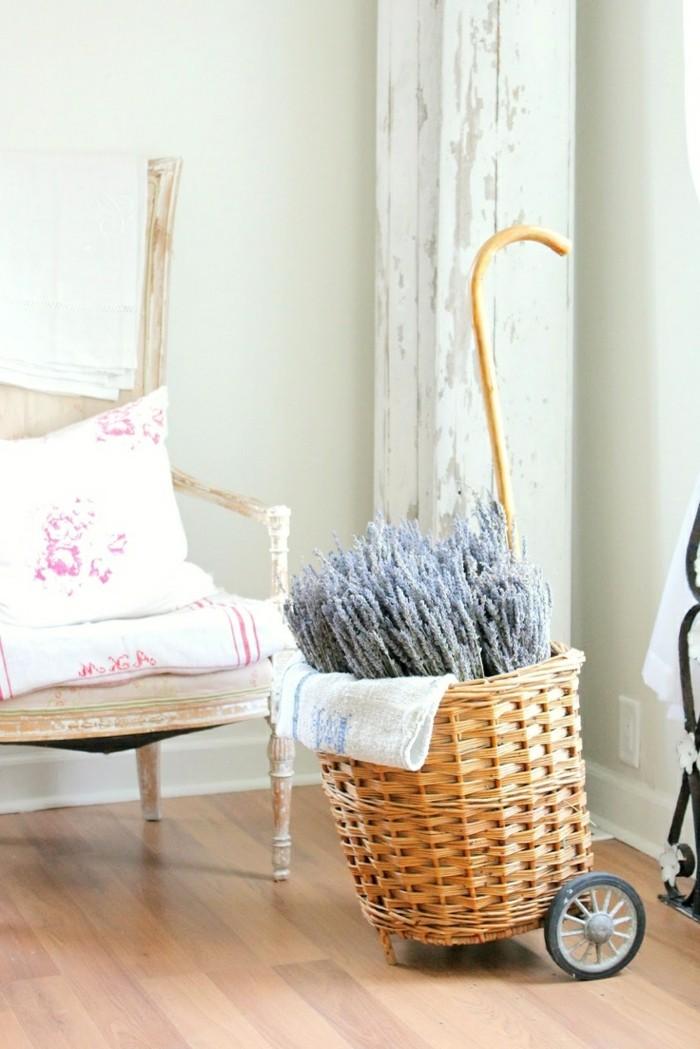 einrichtungsideen für das wohnzimmer geflochtene accessoires im vintage stil