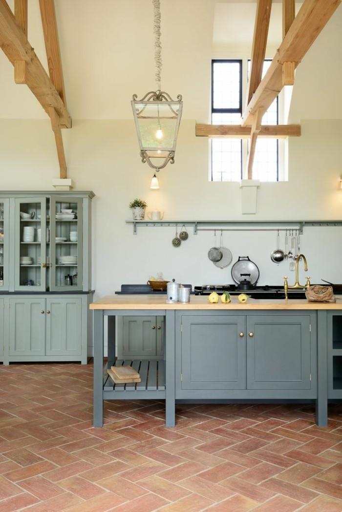 einrichtungsideen-für-den-herbst-terrakotta-bodenfliesen-in-der-küche