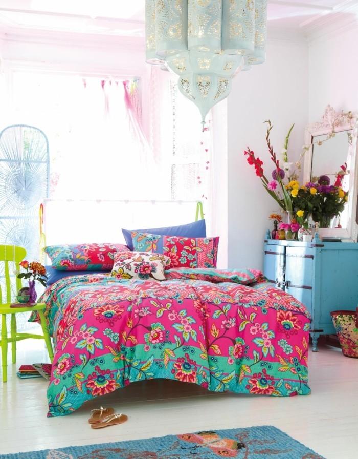 einrichtungsideen tendenzen für den herbst im schlafzimmer ist die farbige bettwäsche ein muss