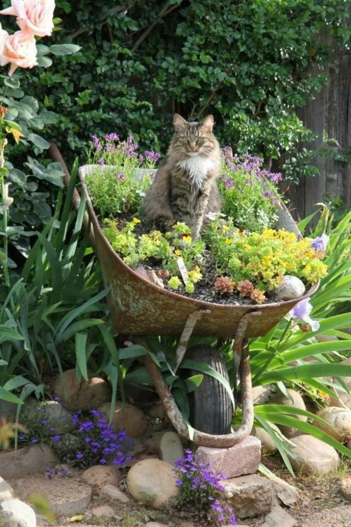 gartendeko selber machen ausgefallene pflanzenbehälter