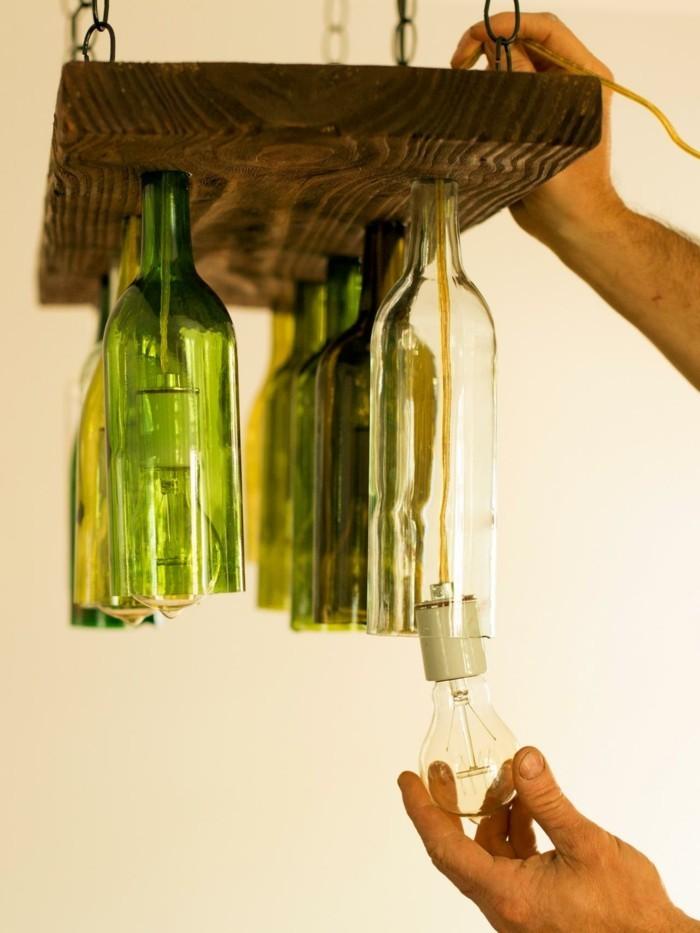 gartendeko selbstgemacht rustikaler leuchter aus flaschen