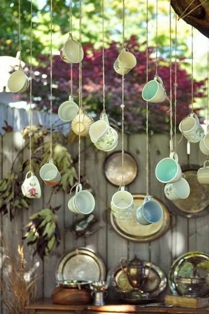 gartendeko selbstgemacht teetassen aufhängen und den garten lebendig gestalten