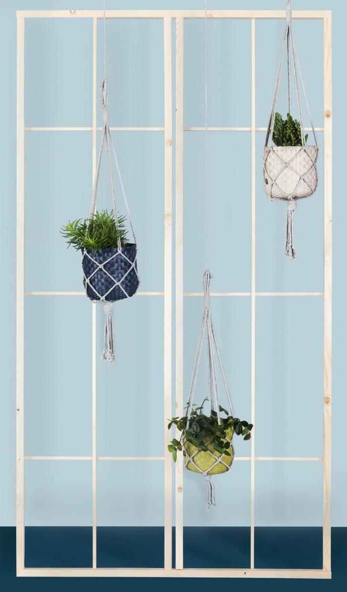 hängeampel aus makramee basteln und die pflanzen ausstellen